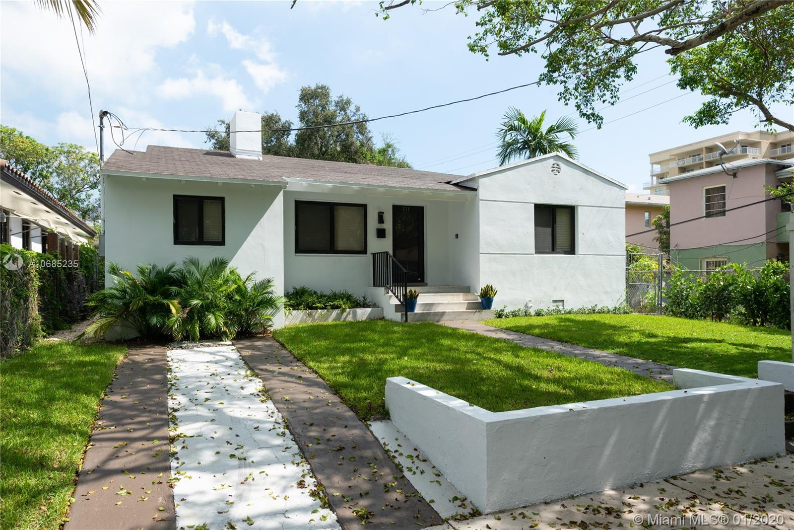 311 S W 21st Rd  For Sale A10685235, FL