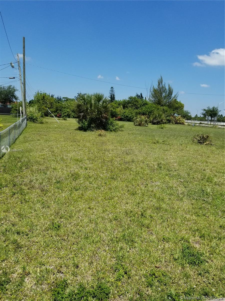 215  215  For Sale A10680272, FL