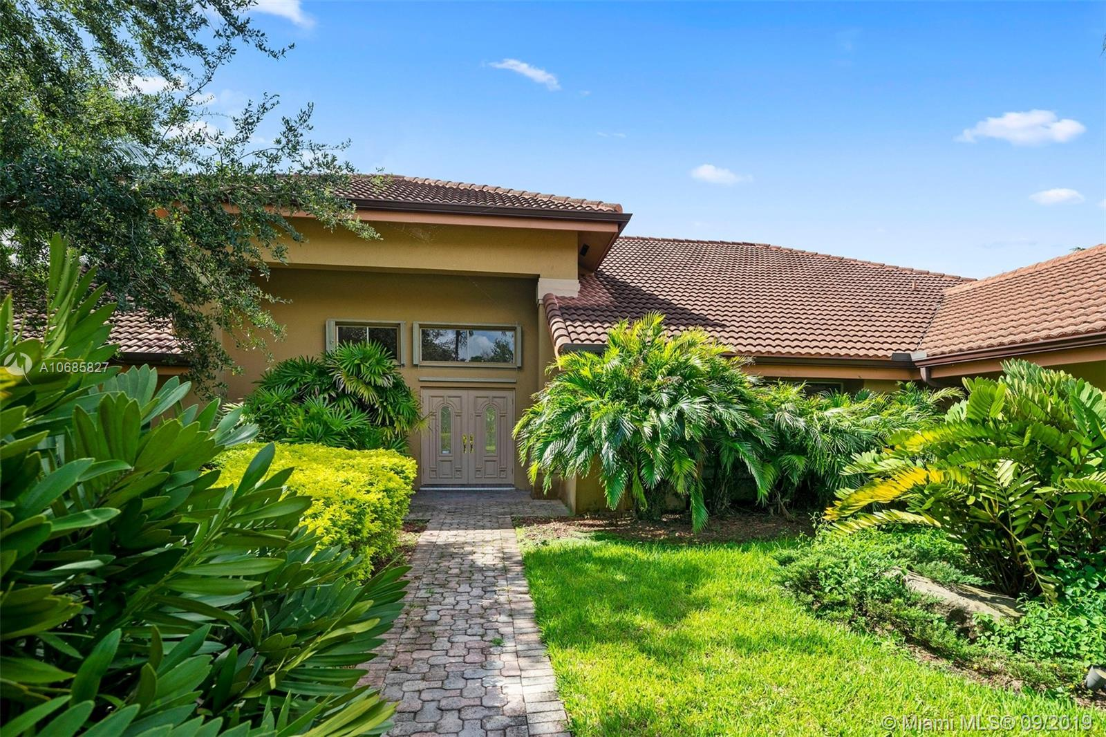 9818 SW 111th Ter  For Sale A10685827, FL