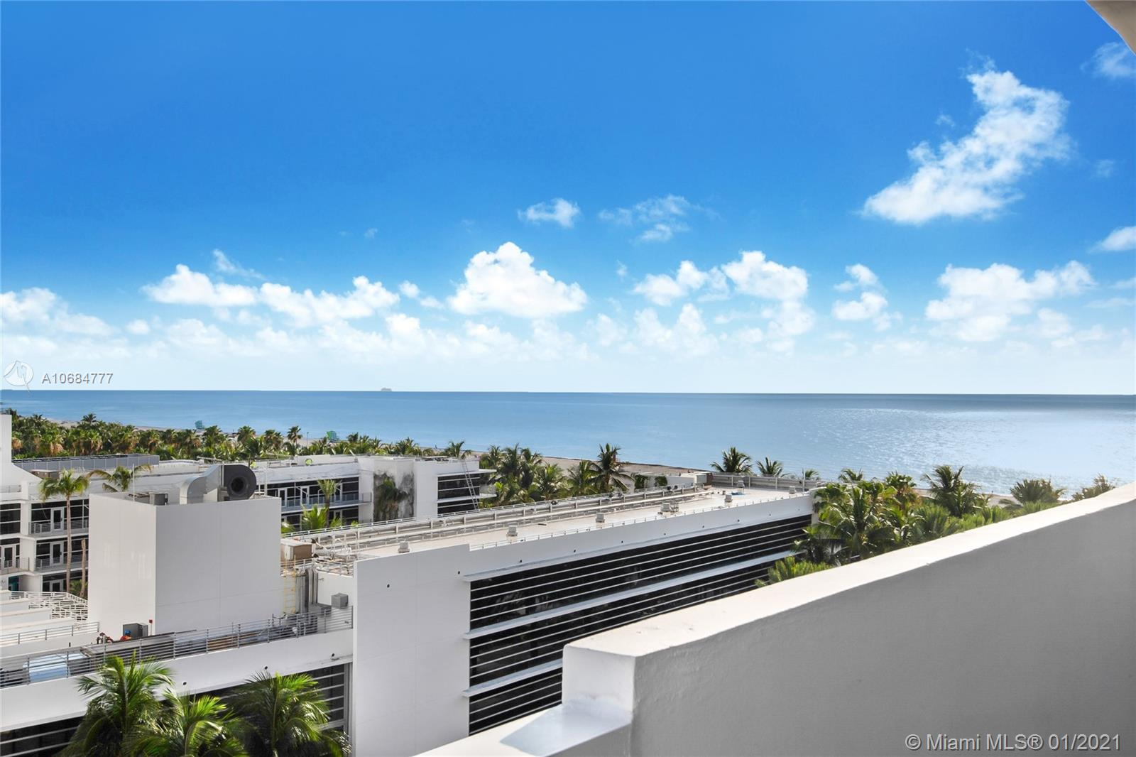 100  Lincoln Rd #827 For Sale A10684777, FL