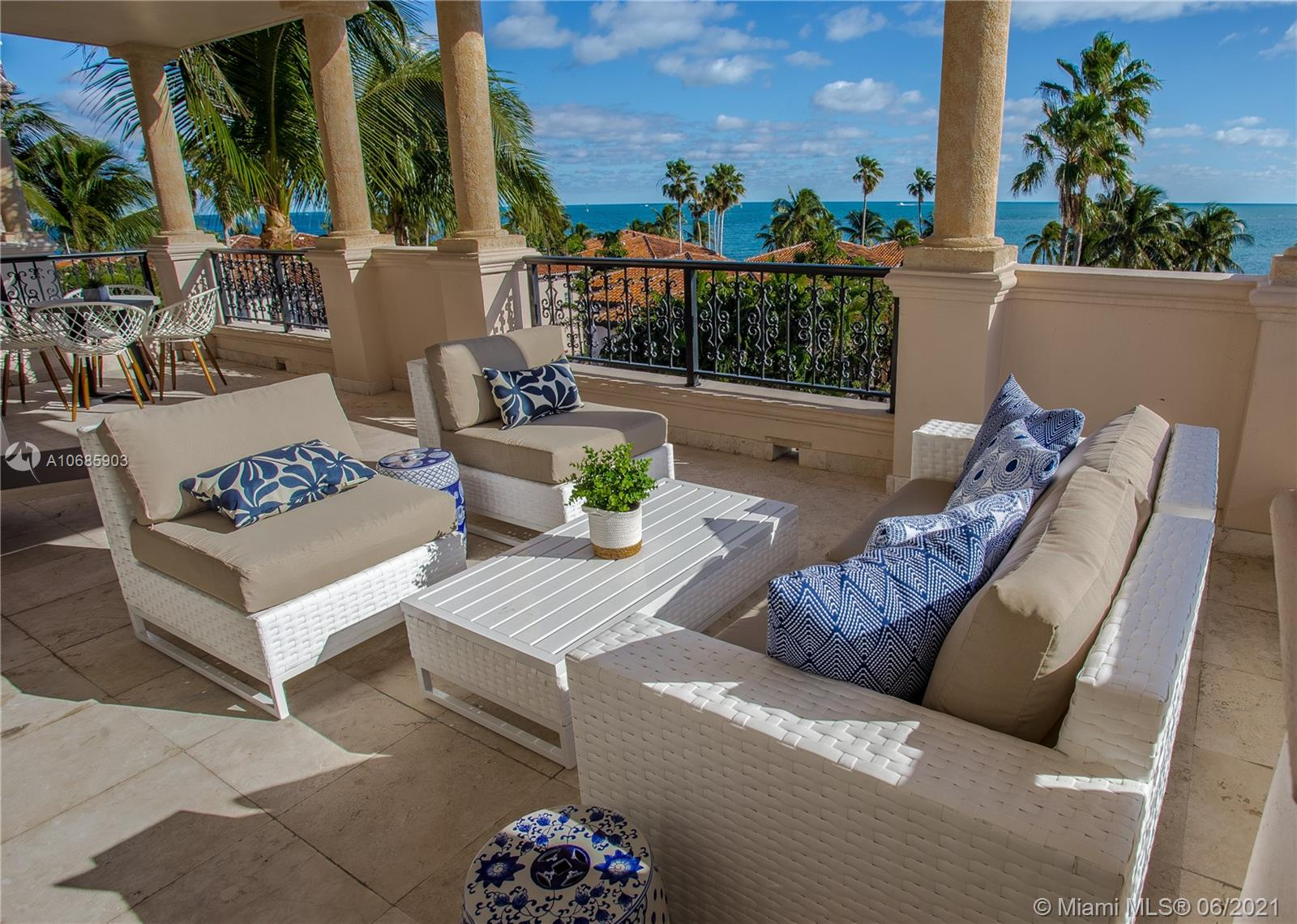 19144  Fisher Island Dr #19144 For Sale A10685903, FL