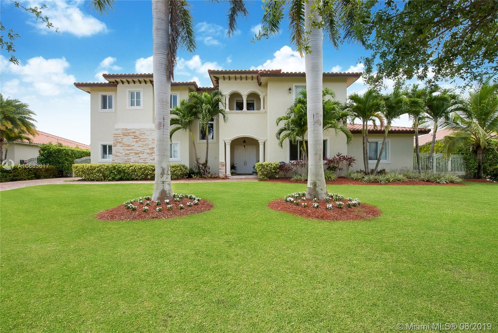 8110 SW 175th St  For Sale A10683617, FL