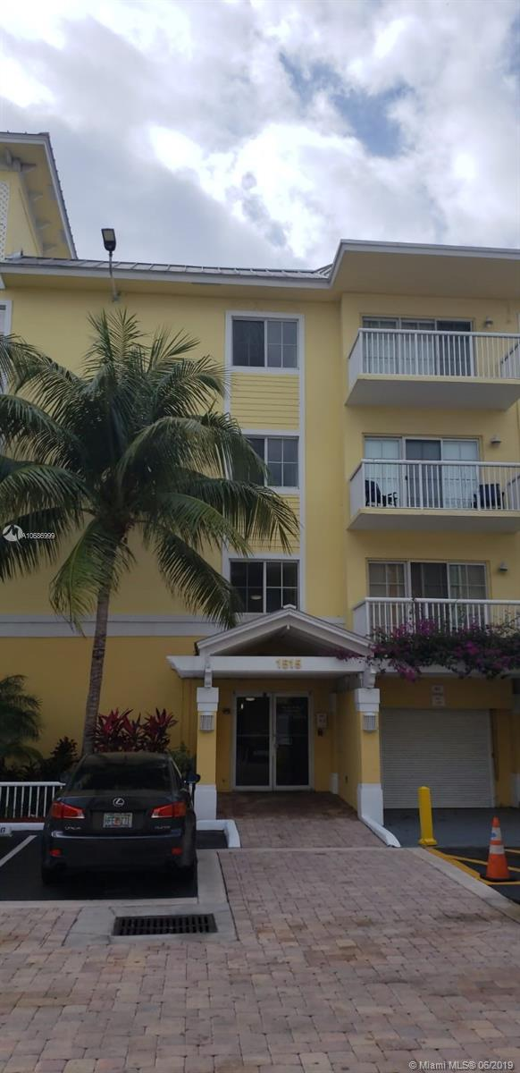This is one of the best maintained communities in downtown Ft Lauderdale. Maintenance office is on site. PCV is located walking distance from Las Olas and Galleria where you have access to some of the best shopping, dining and entertainment in the area. This condo was just painted and equipped with a newer dishwasher and AC unit. The community has a gated entry both to bldg and parking lot. The common areas and heated pool is also fenced in for added security. The maintenance staff and assoc. mgr. are all longterm employees who take great pride in caring for the community. This condo also comes with a PREMIER DOUBLE PARKING SPOT. (no. 220) Located directly to the right of the bldg. entrance. SoFL living doesn't get any better than this!