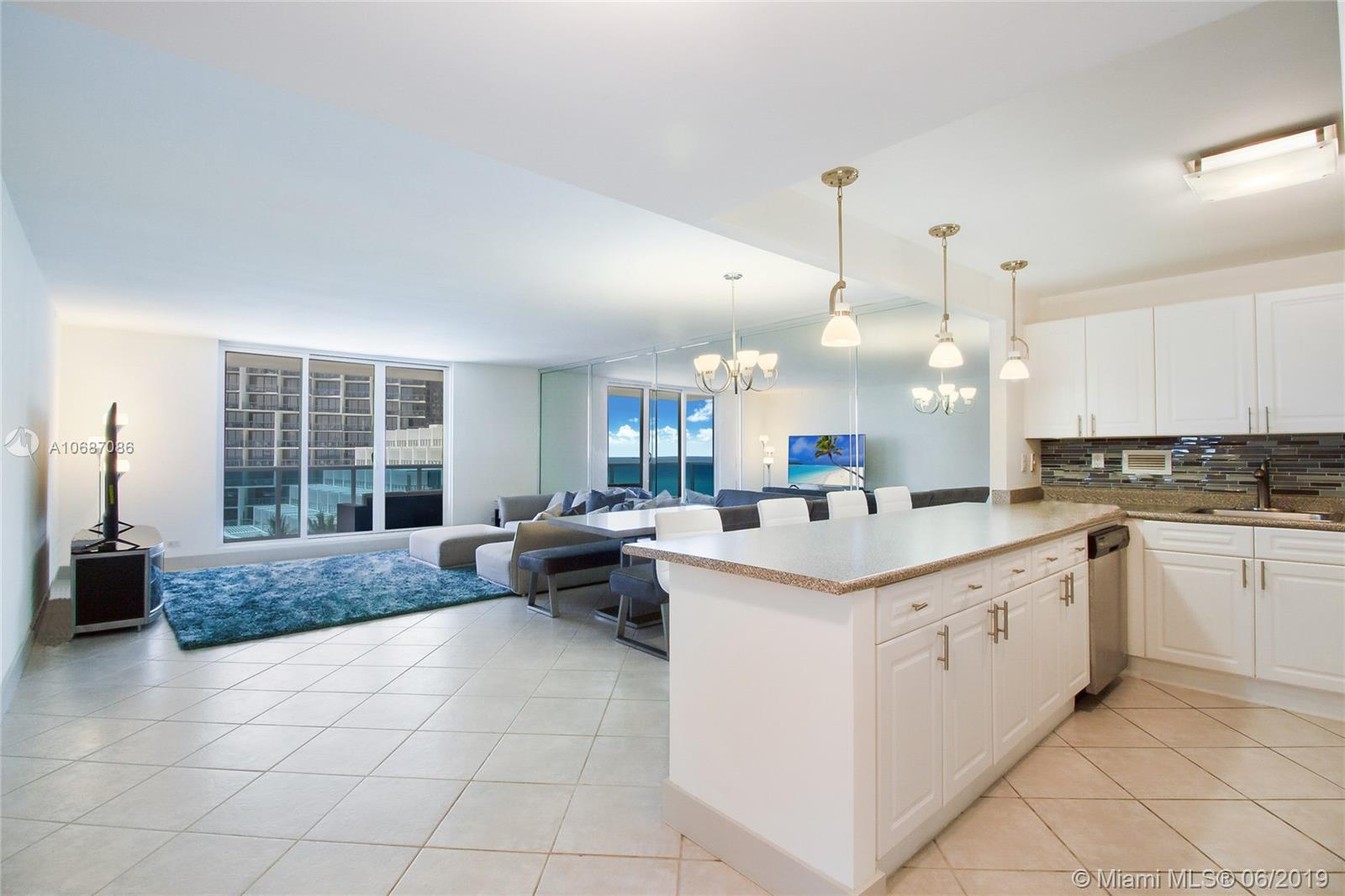 2301  Collins Ave   609