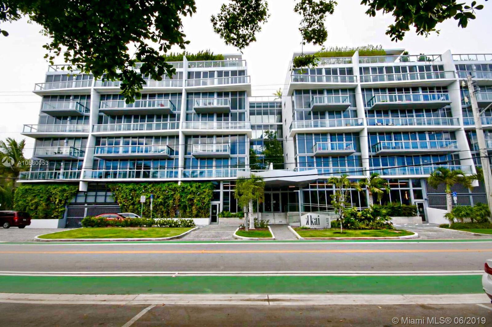 Gorgeous 2 bed / 2 bath corner unit in the top floor with rare 2 garage spaces without the need for lift. Kai at Bay Harbor is in the heart of Bay Harbor Islands, with marina, gym and a beautiful rooftop pool. Very easy to show!