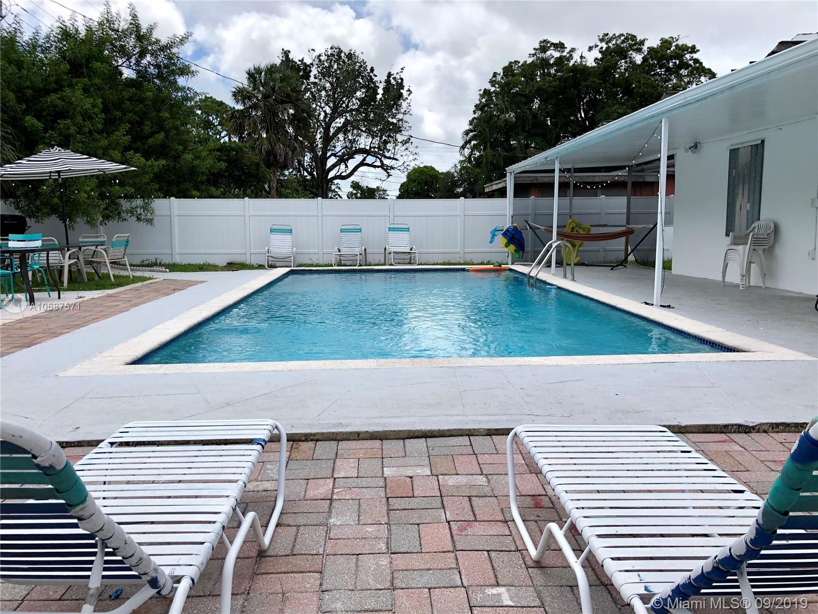 1372 S W 22nd Ave  For Sale A10687571, FL