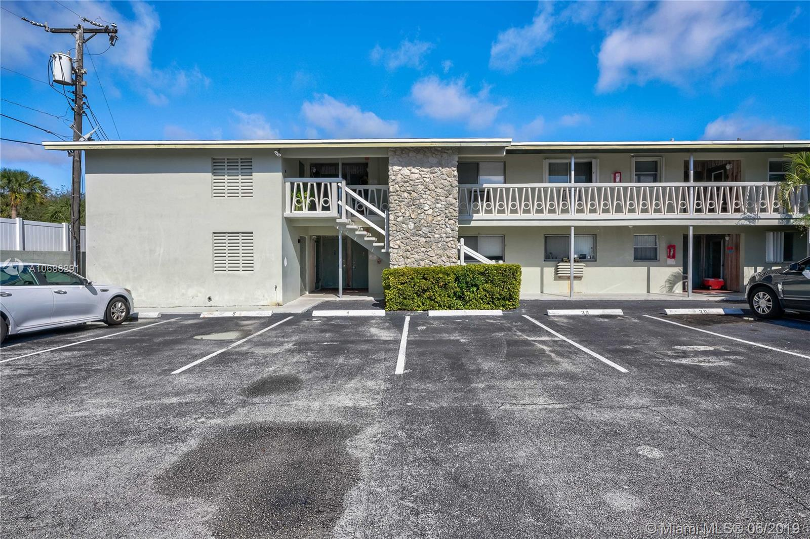 510 Lake Shore Dr 5, Lake Park, FL 33403