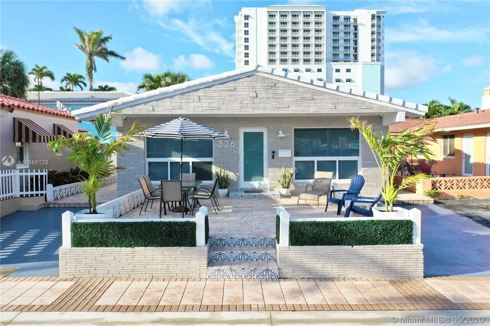 326  Grant St  For Sale A10688128, FL