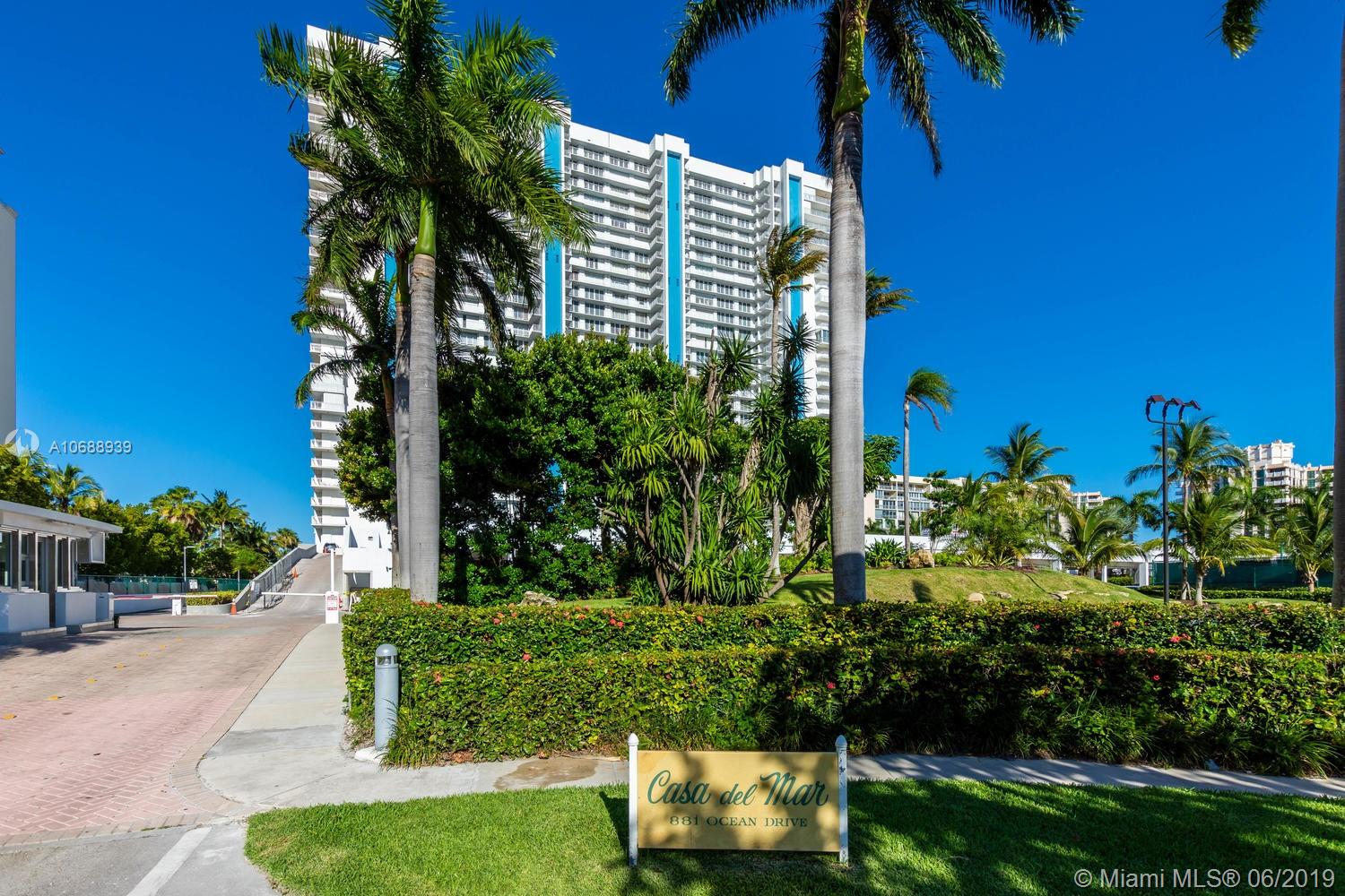 881  Ocean Dr #22D For Sale A10688939, FL