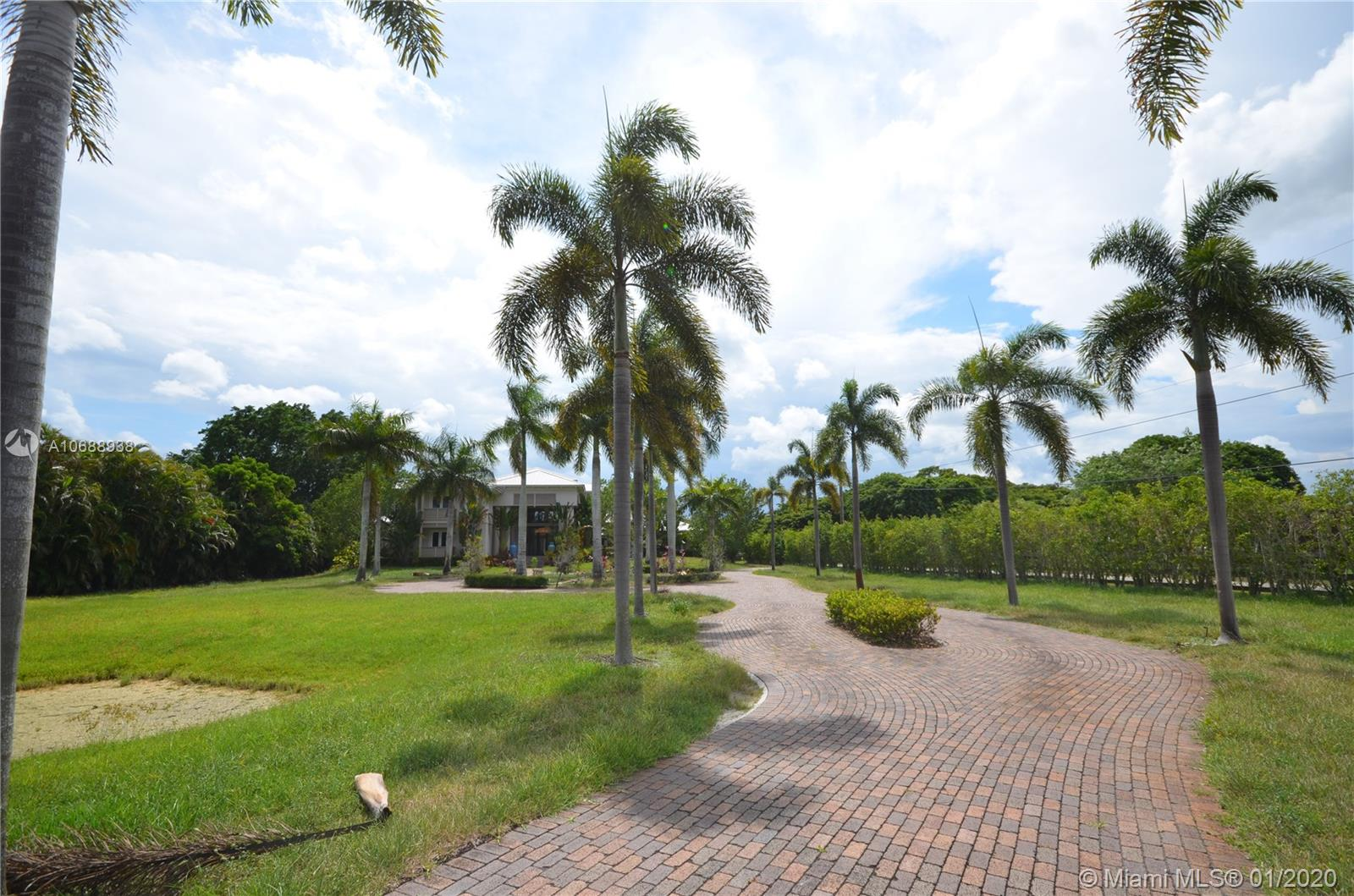 5271 SW 136th Ave, Southwest Ranches, FL 33330