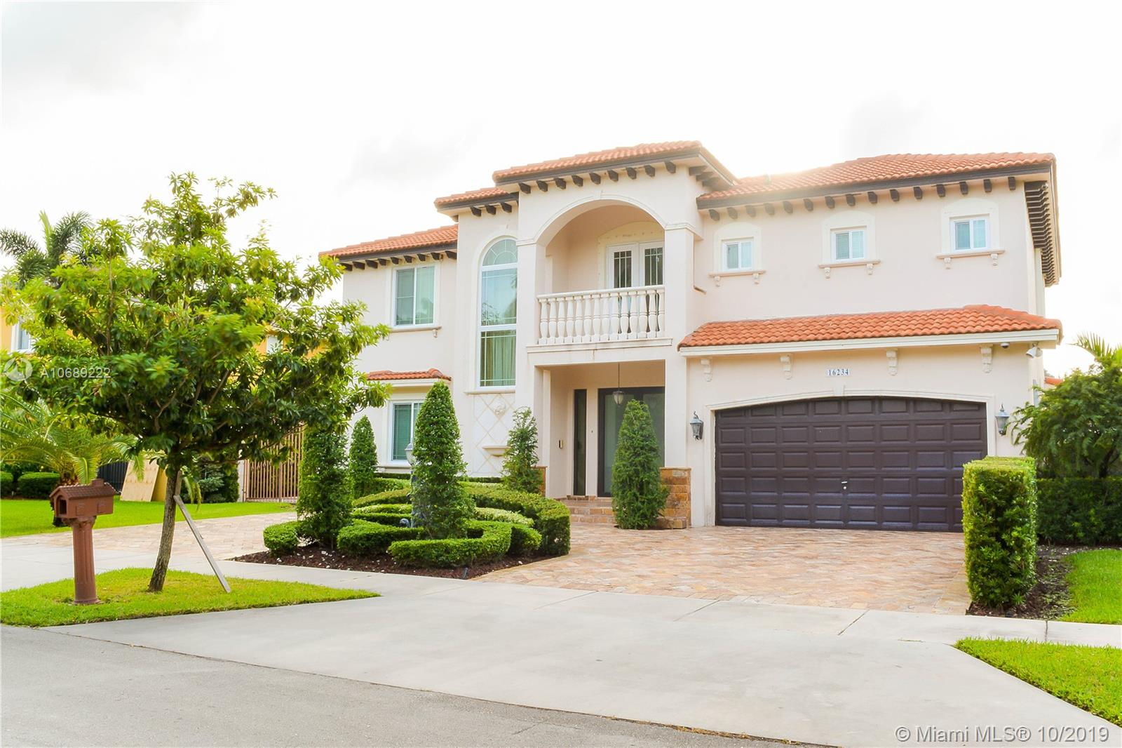 16234 NW 86th Ct  For Sale A10689222, FL