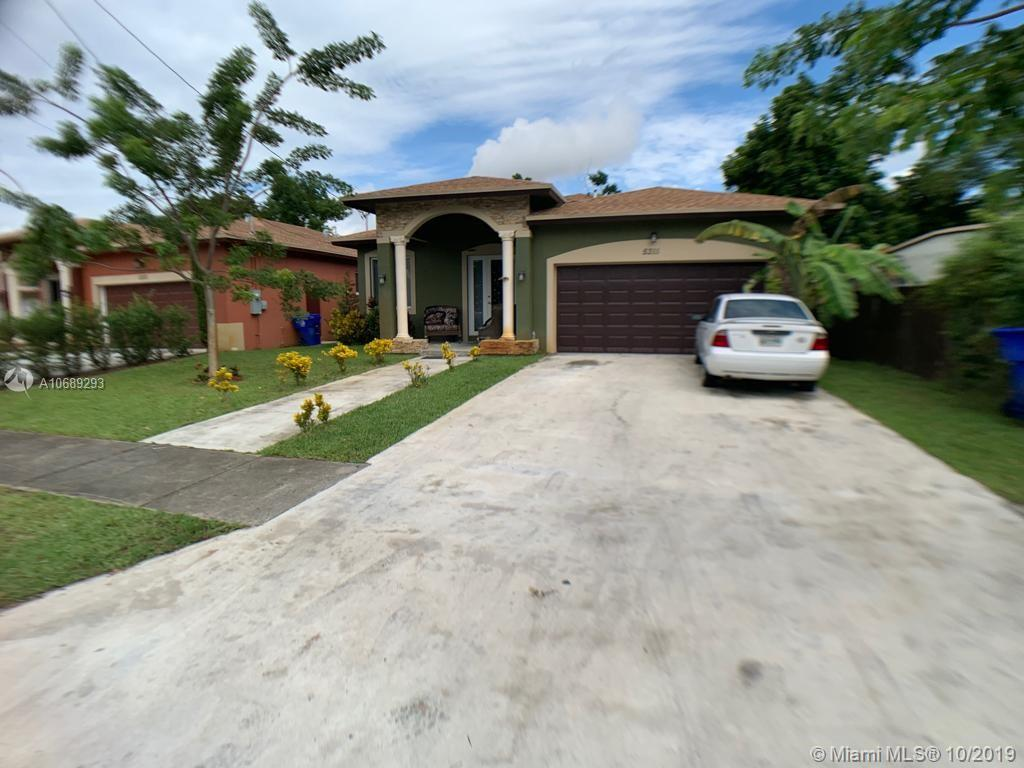 5311 SW 22nd St  For Sale A10689293, FL