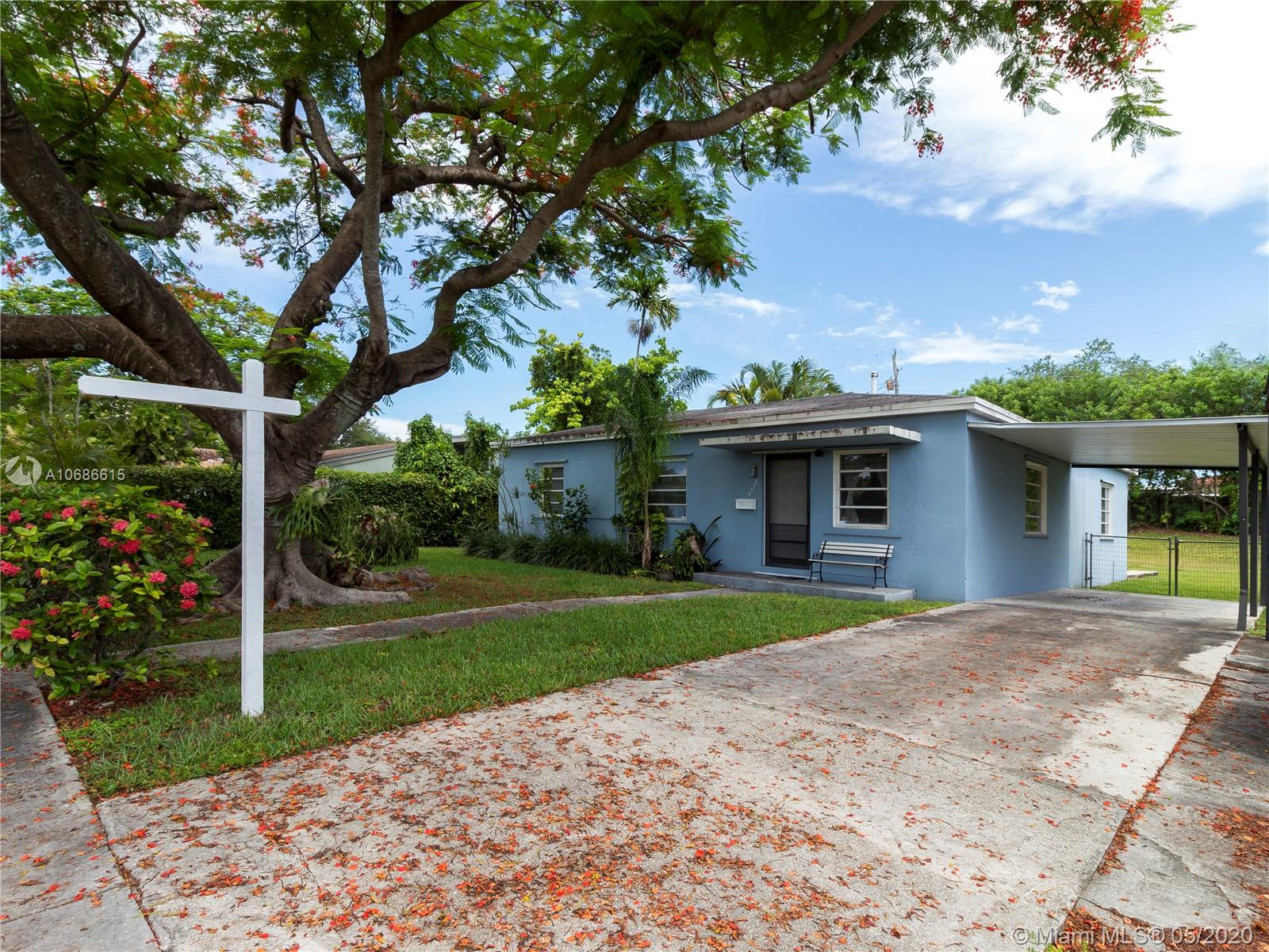 6530 SW 46th St  For Sale A10686615, FL