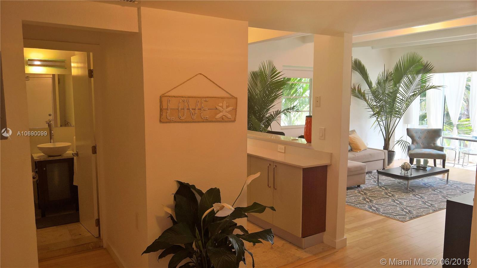 3915  Meridian Ave #206 For Sale A10690099, FL