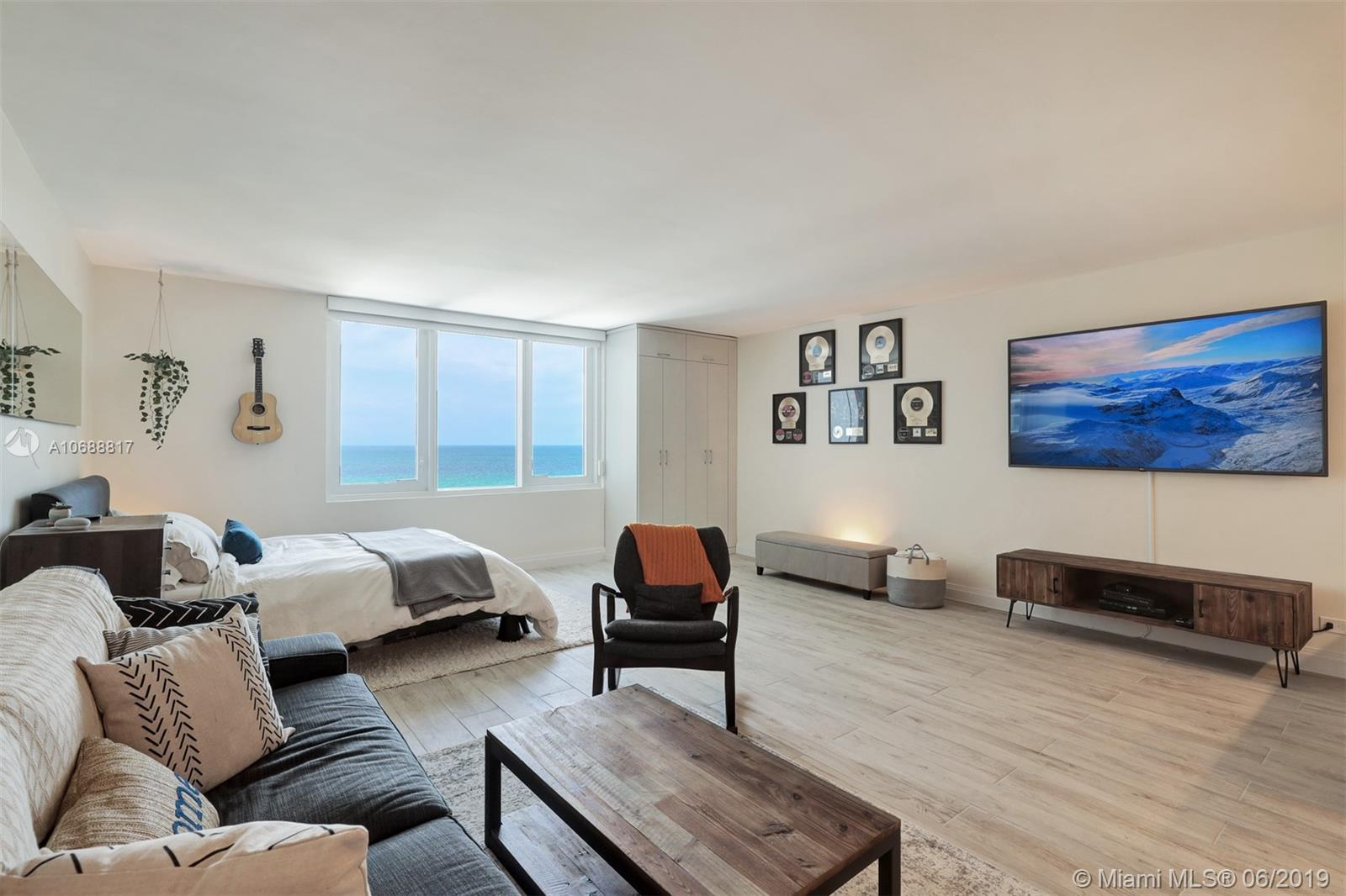 2301  Collins Ave #1043 For Sale A10688817, FL