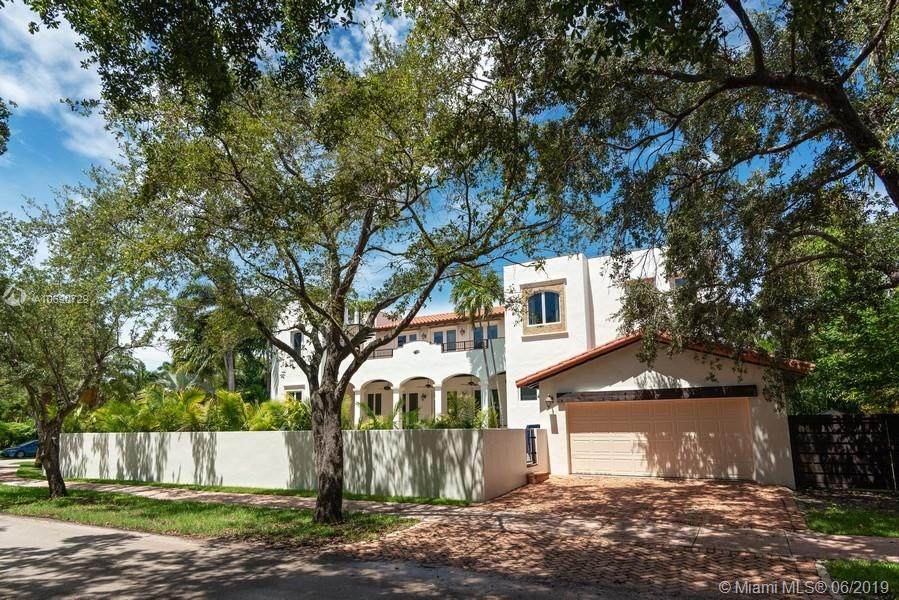 565  Harbor Dr  For Sale A10690729, FL