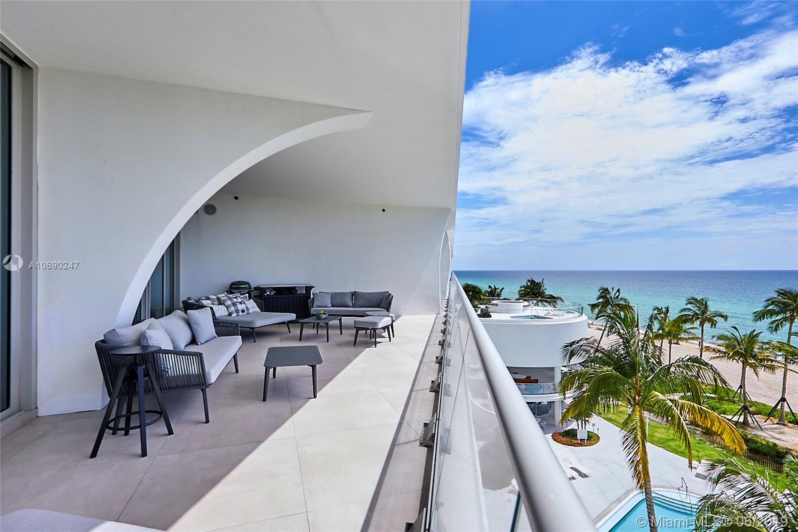 16901  Collins Ave #502 For Sale A10690247, FL