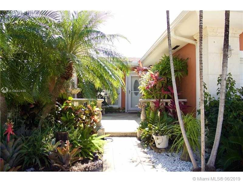 9140  Abbott Ave  For Sale A10682490, FL