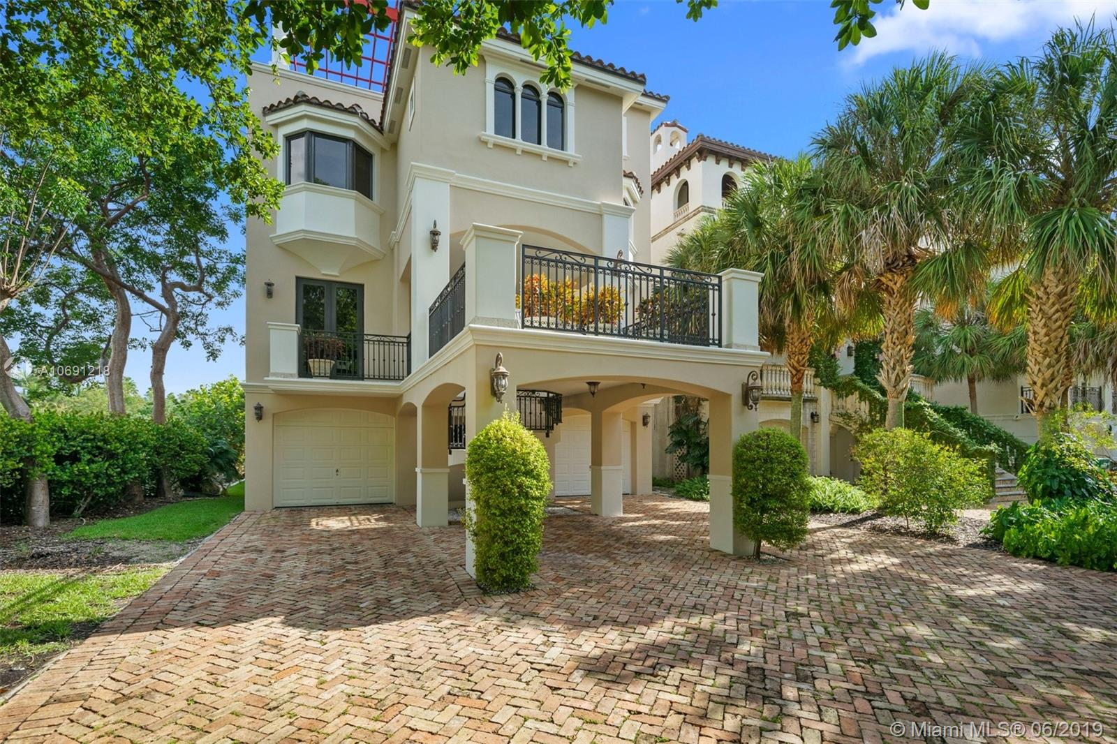 5860  Paradise Point Dr  For Sale A10691218, FL