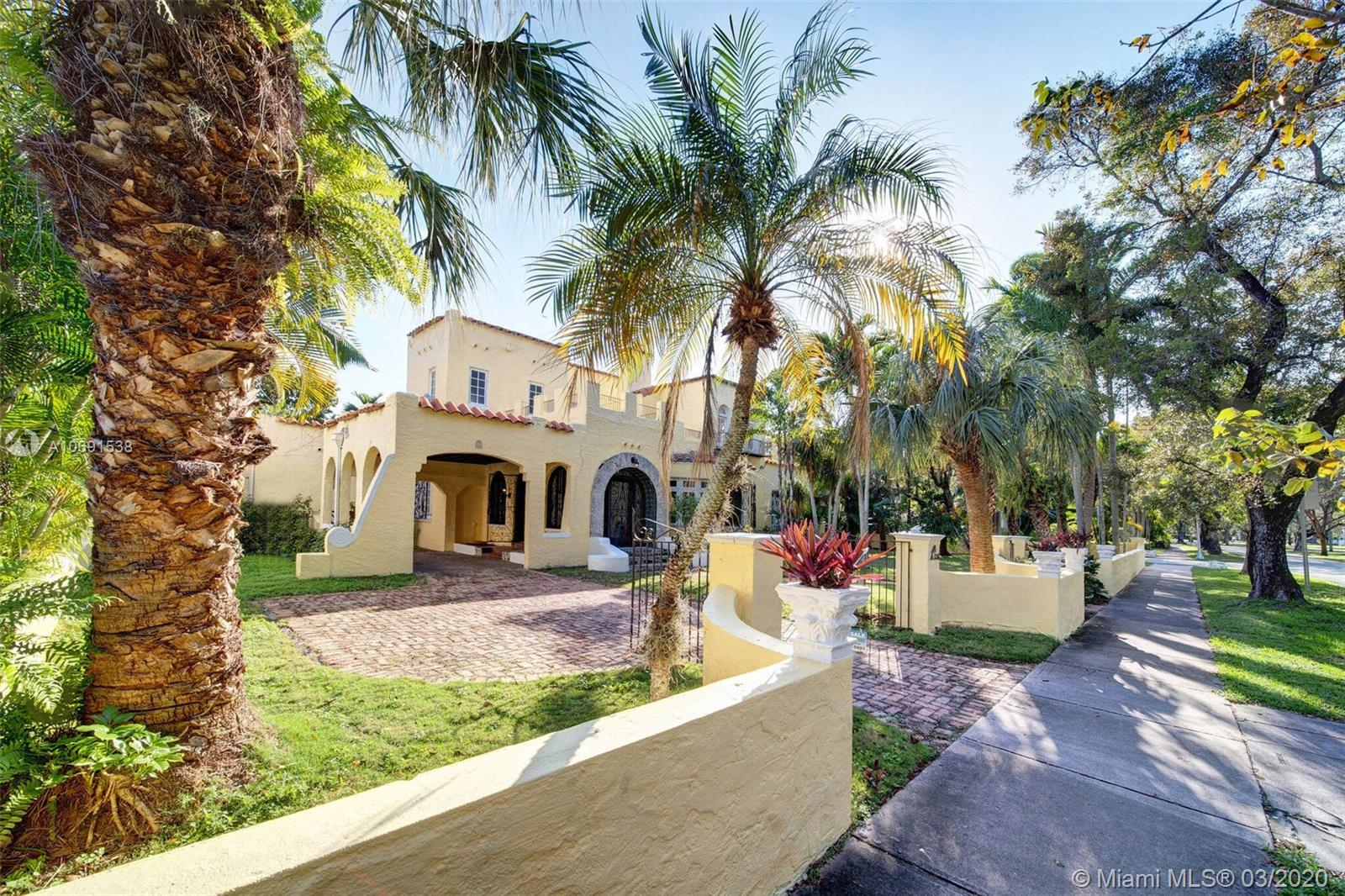 $100,000 price reduction, $30,000 new roof, House just tented. Owners want offers! Must see!Beautiful 1923 old Gables Gem ready for your Personal touch! Investors dream, 15,000 square ft. Lot on Alhambra Cr., Coral Gables corner lot, room for pool. Great lot!5 bedroom, 4 baths, 4000 square ft. Lots of closet space.  Rehabbed in 1995, needs updating. Great opportunity!Close to Granada Golf Course.