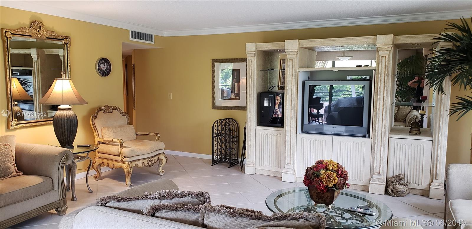 1490  Sheridan St #20A For Sale A10691562, FL