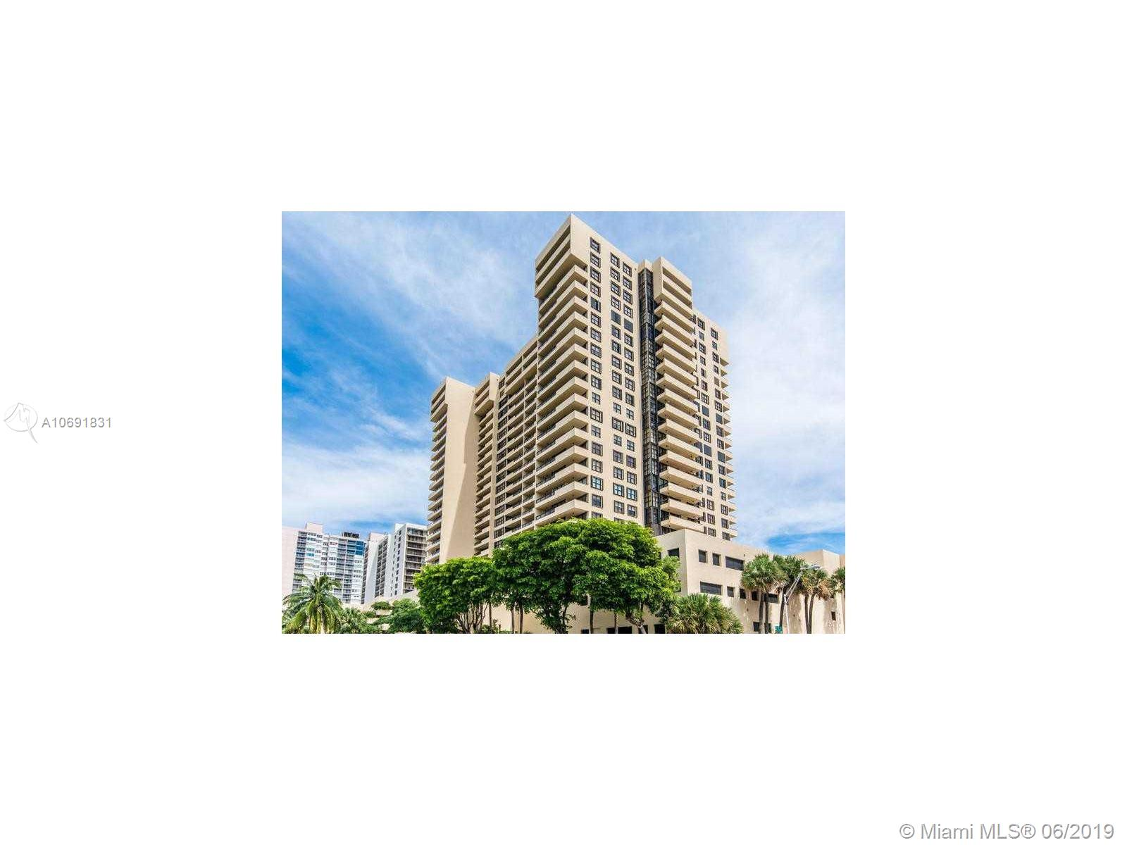 full remodeled unit ,with full  beautiful ocean view, in Collins park area,.near Faena Hotel District,walk to Lincoln road, full Gym,,Pool, great building