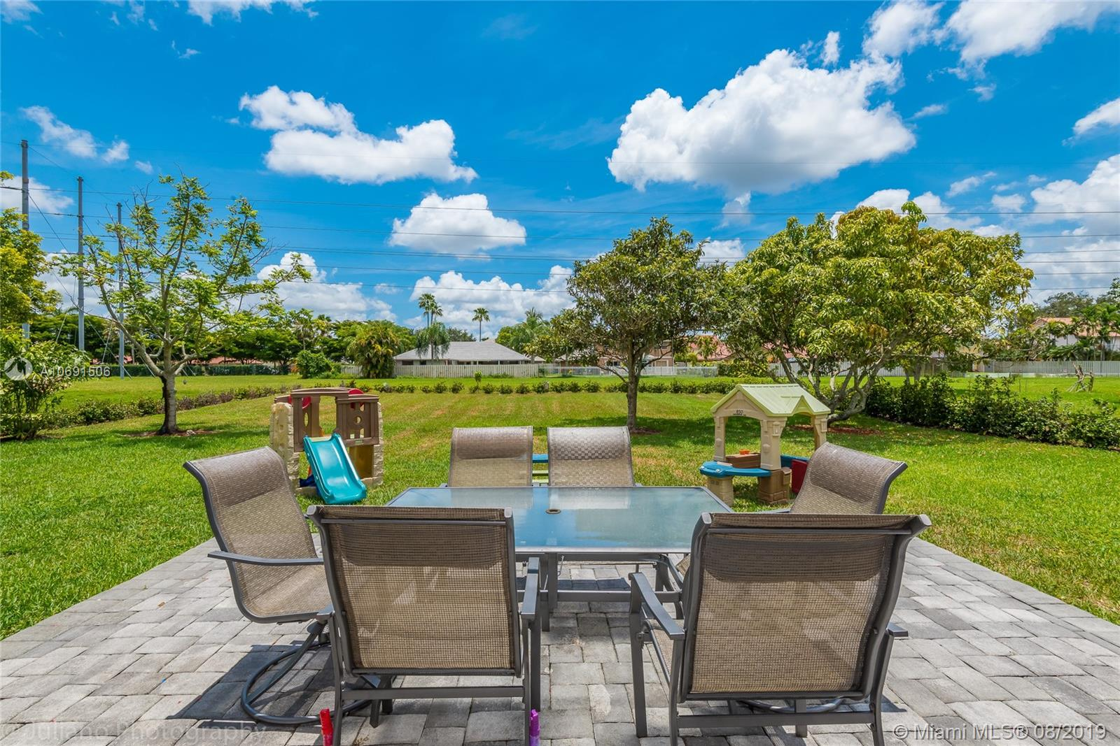 850  Greenbriar Ave  For Sale A10691506, FL