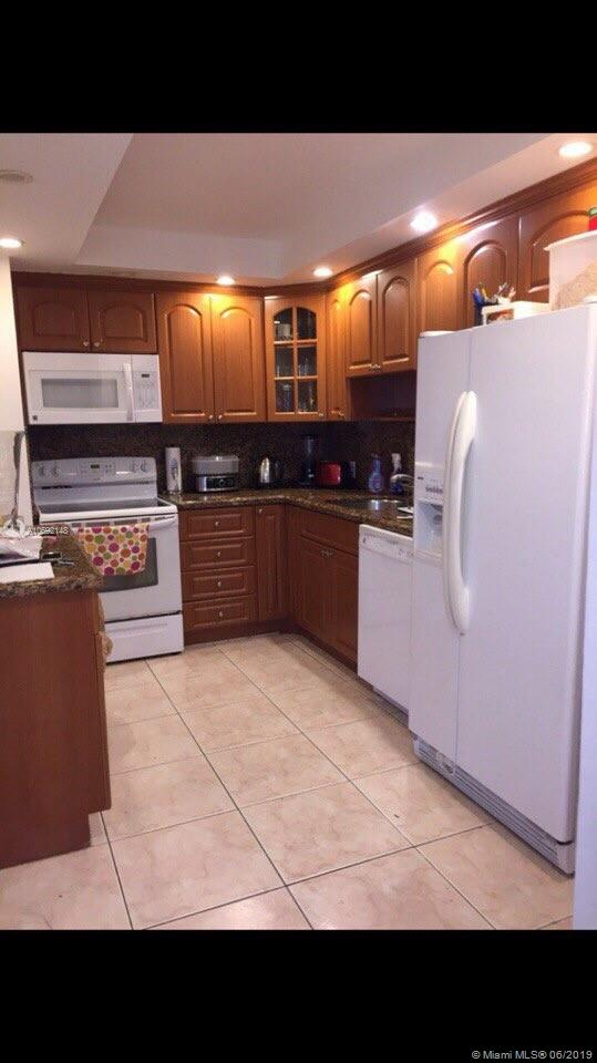 3375 N Country Club Dr #604 For Sale A10692148, FL