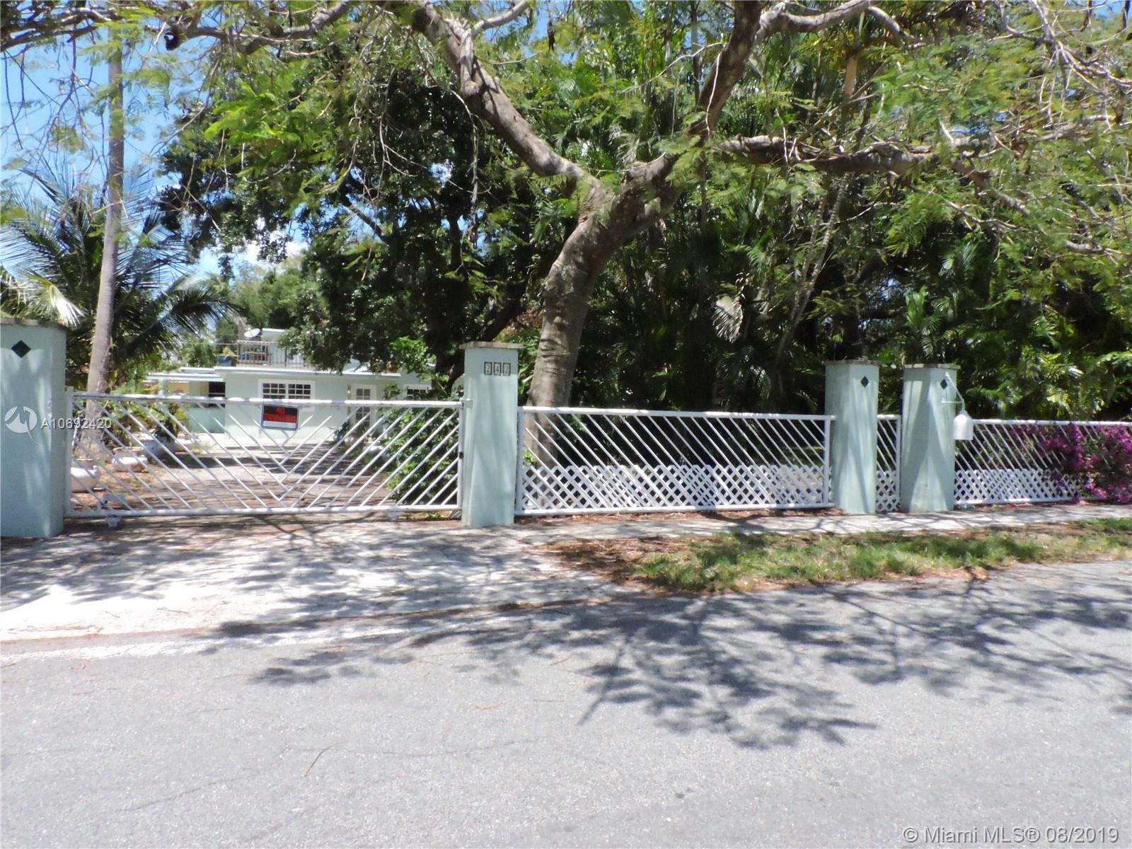 242 SW 8th St, Dania Beach, FL 33004