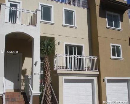 1658  Hayes St  For Sale A10693788, FL