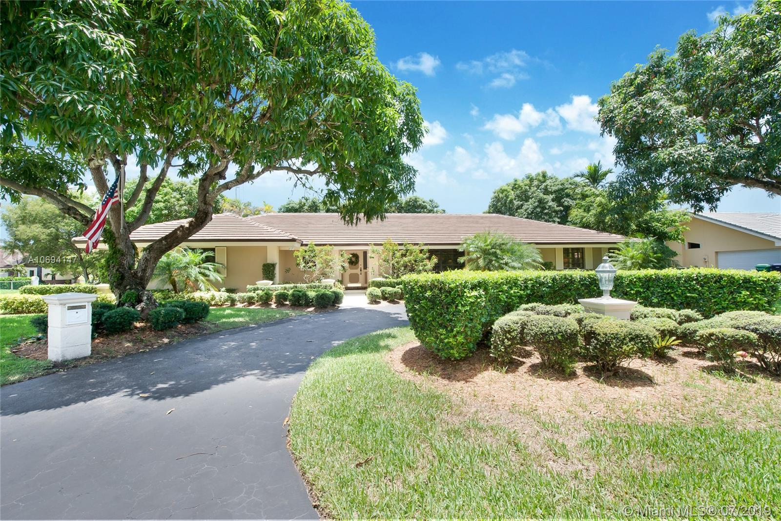 16001 SW 83rd Ave  For Sale A10694147, FL