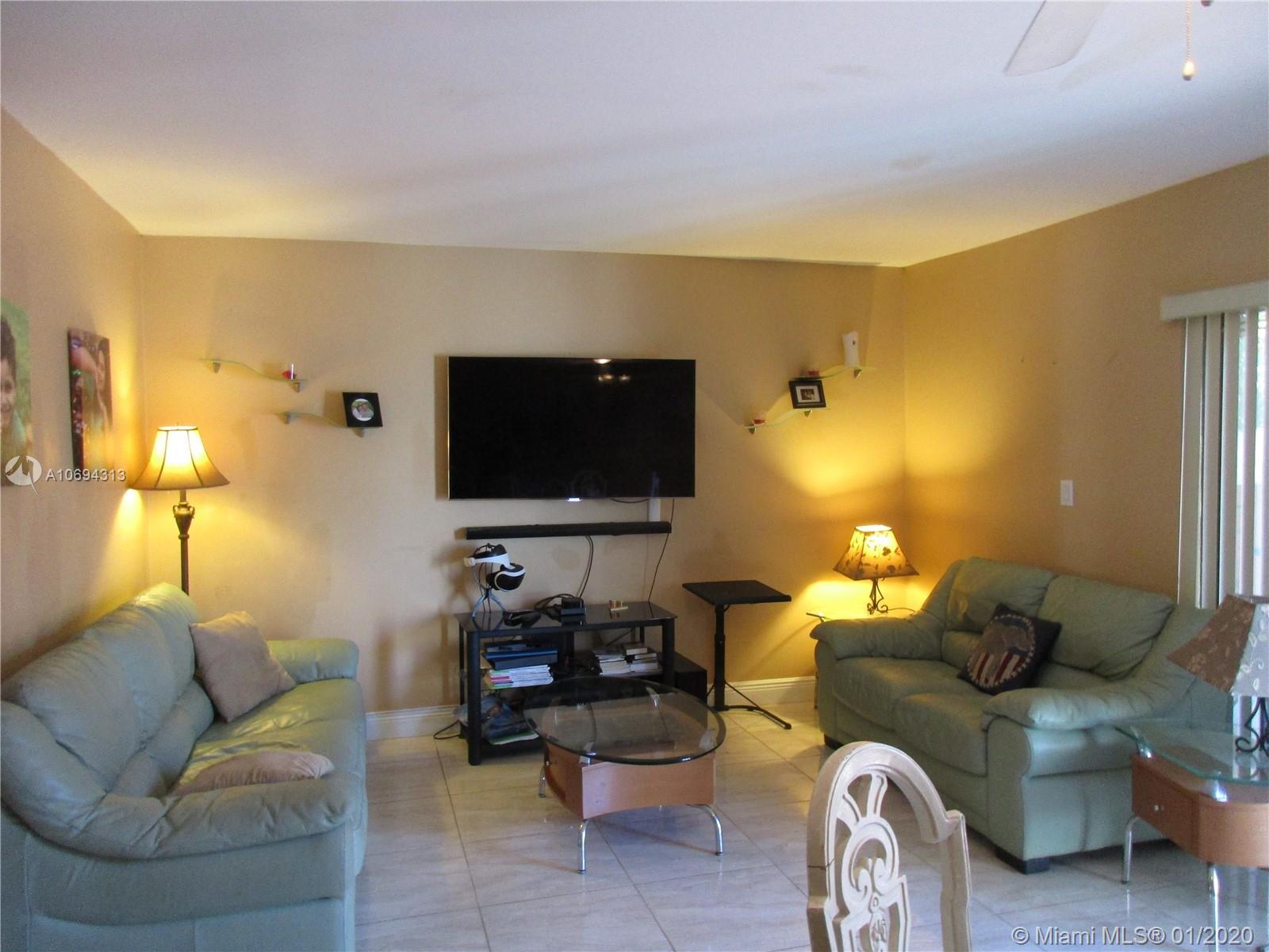 2998  Lakewood Lane #325 For Sale A10694313, FL