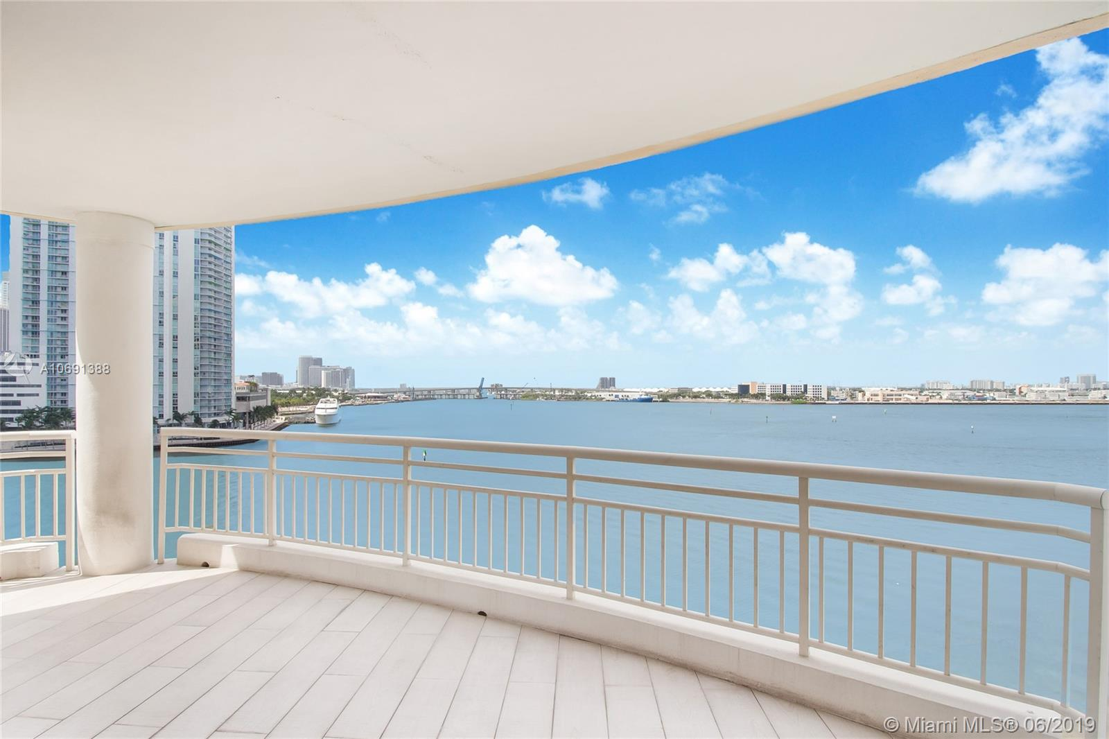 888  Brickell Key Dr #712 For Sale A10691388, FL