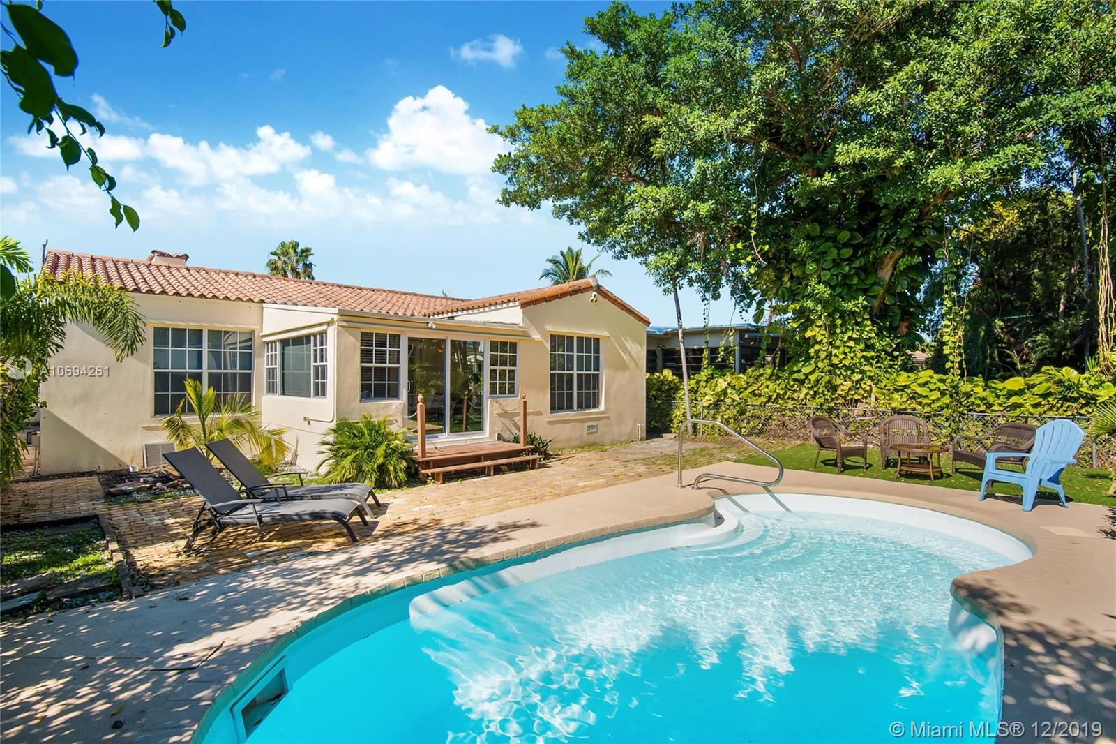 8919  Emerson Ave  For Sale A10694261, FL