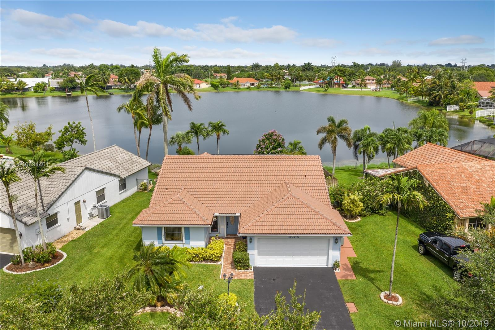 6235  Hawkes Bluff Ave  For Sale A10694461, FL