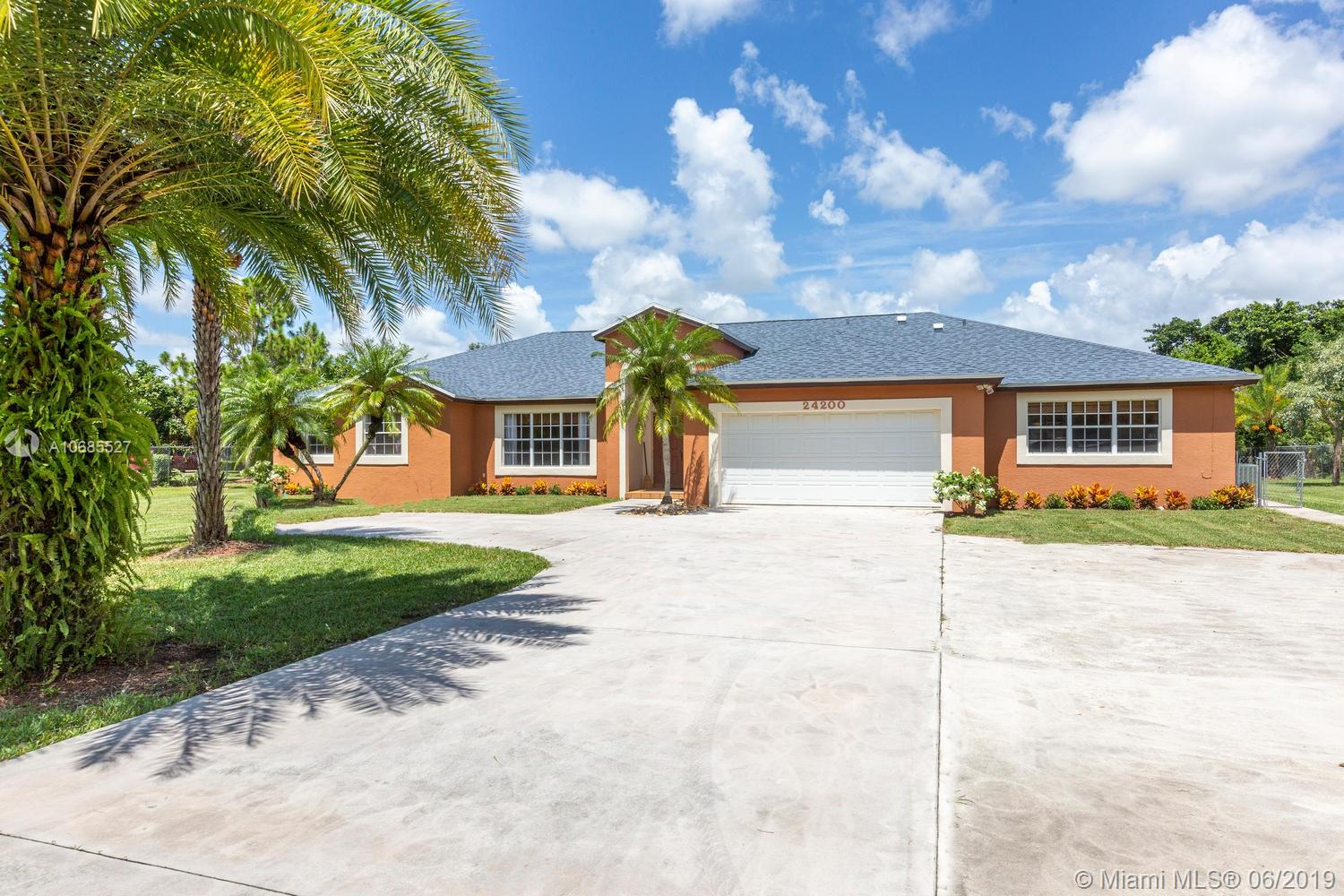 24200 SW 142nd Ave, Homestead, FL 33032