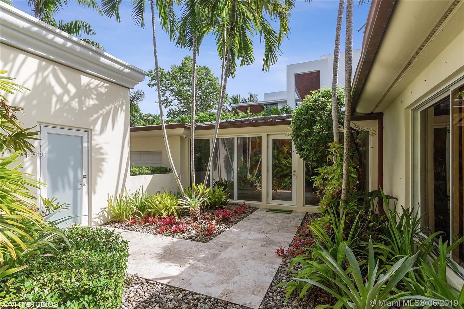 5055 N Bay Rd, Miami Beach, FL 33140