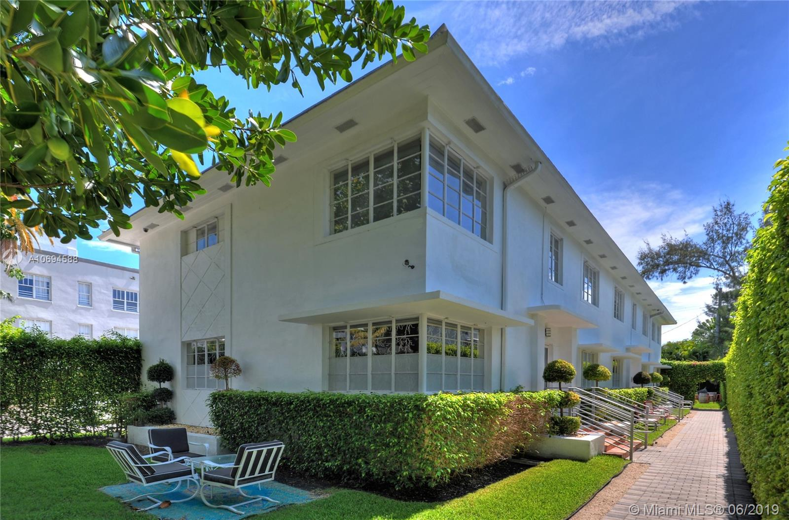 1611  Lenox Ave  For Sale A10694588, FL
