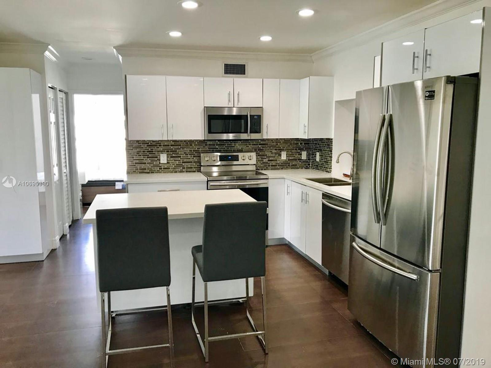 4721 W Park Rd  For Sale A10695390, FL