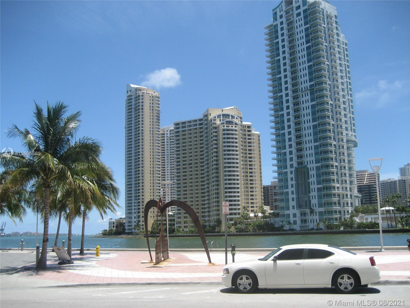 Met 1 is a Beautiful downtown Condo on the River with great amenities Gym Sauna Yoga Valet room Heated Pool concierge on site Management Restaurant Walk to Bay side Miami Heat Right off 95 in the heart of all Downtown This unit is a 1 bed 1 and 1/2 bath, large tiled balcony, 1 parking space overlooking the pool and city. Next to Whole Foods Theater and River walk