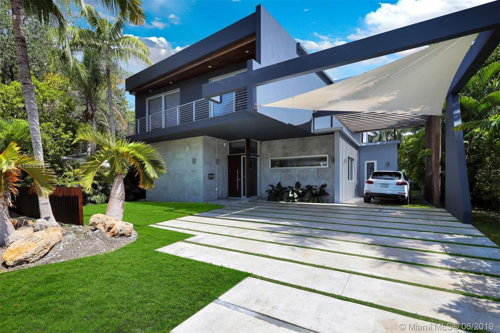 4061  WOODRIDGE RD  For Sale A10692284, FL
