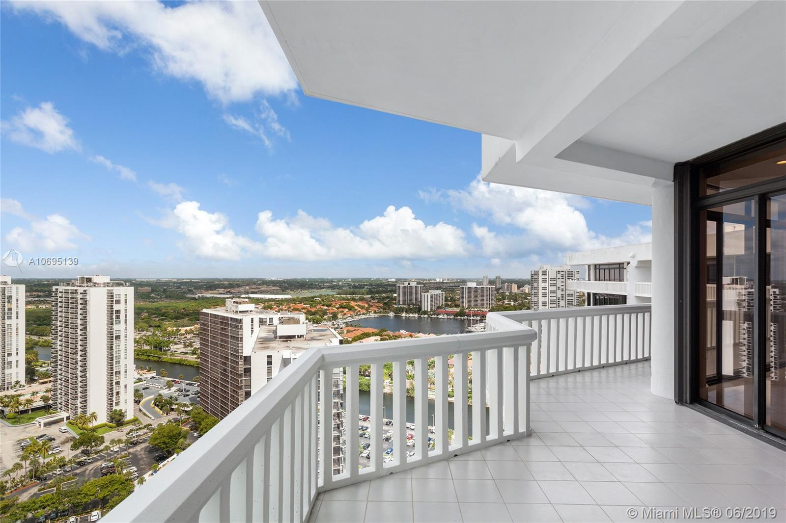 20281 E COUNTRY CLUB DRIVE #PH7 For Sale A10695139, FL