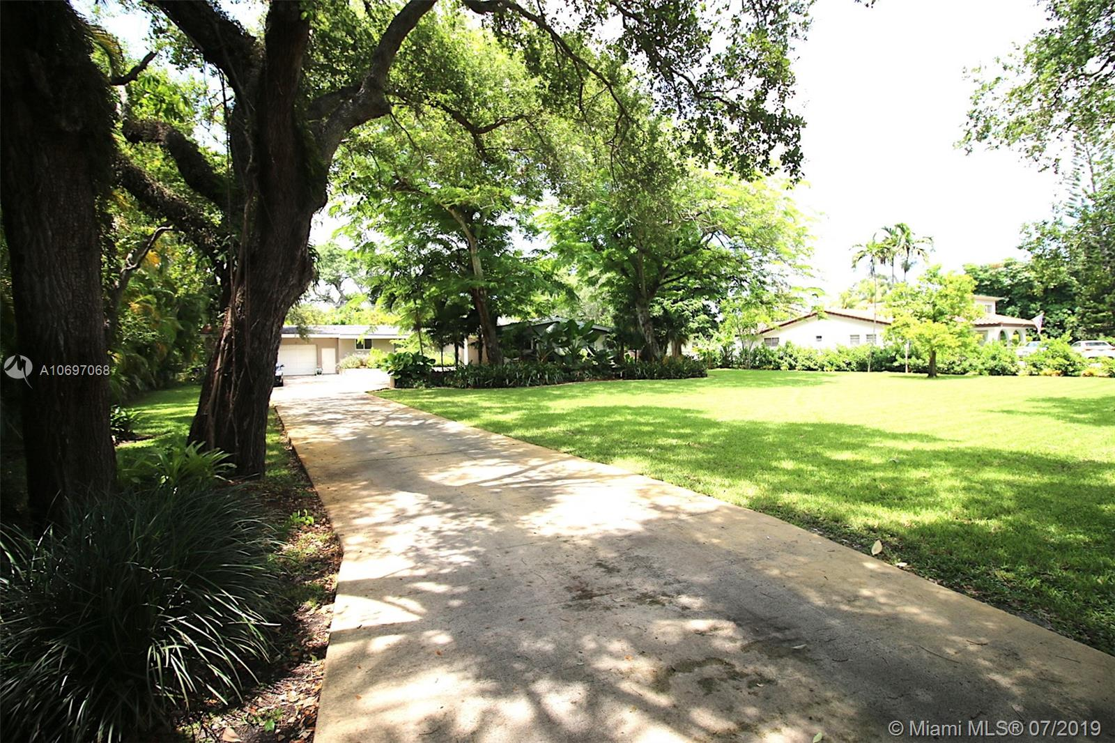 6855 SW 112th St  For Sale A10697068, FL