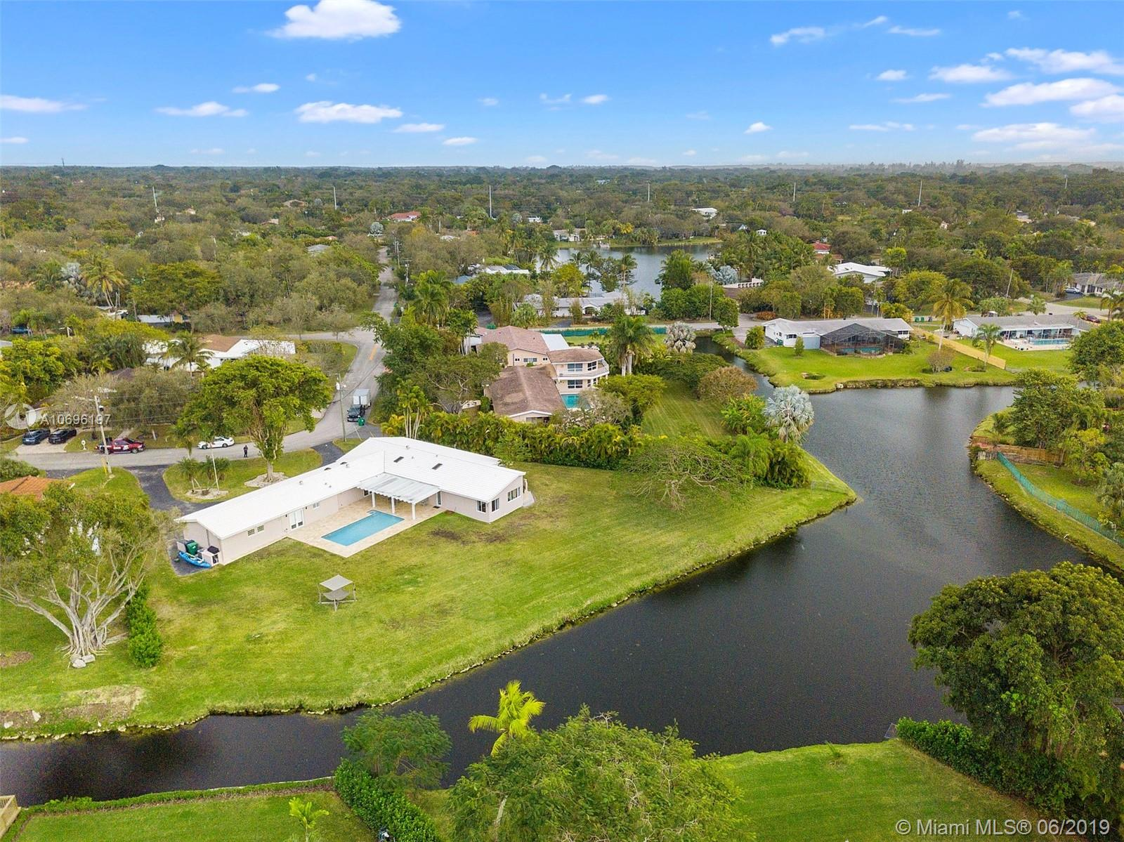 12660 SW 69th CT  For Sale A10696197, FL