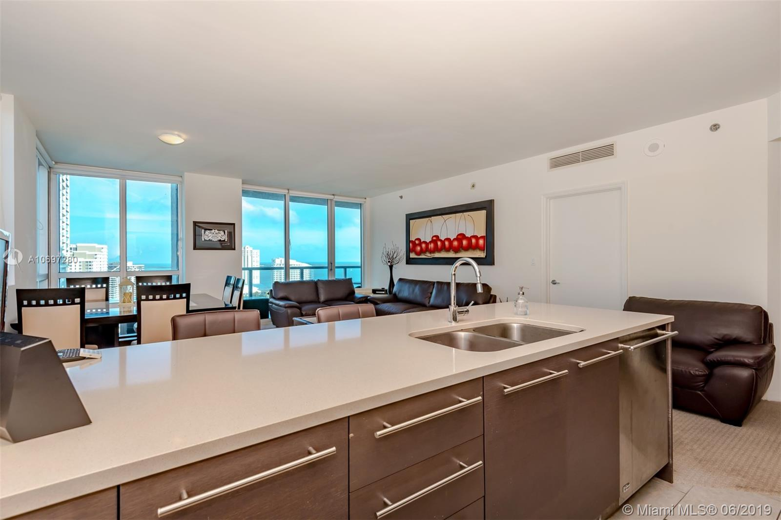500  Brickell Ave   2301