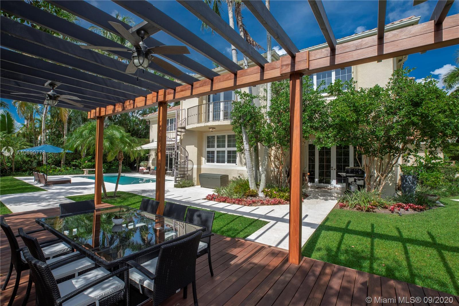 621  Destacada Ave  For Sale A10690778, FL