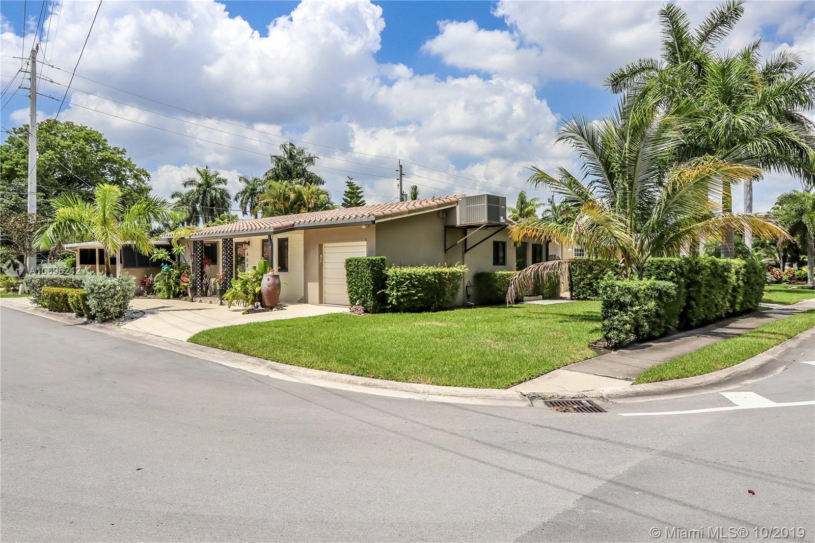 850 N 10th Ave  For Sale A10696242, FL