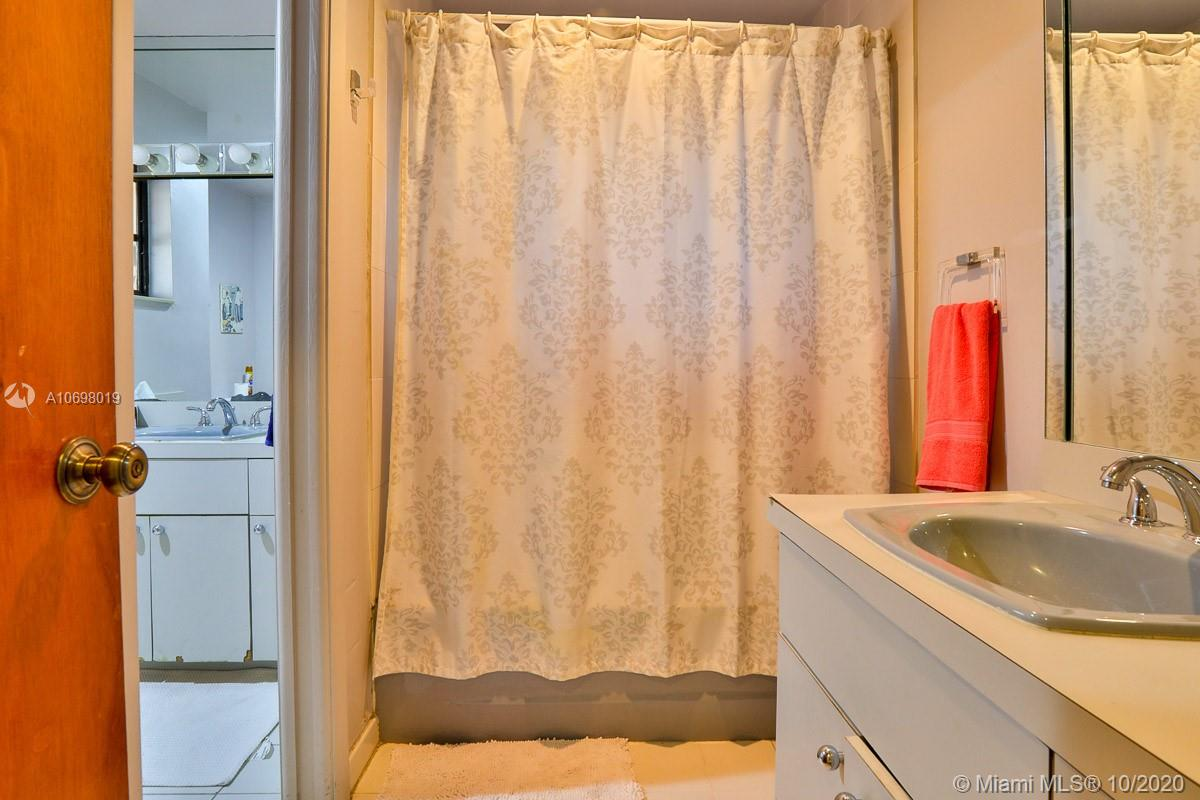Image 18 For 1823 18 Avenue
