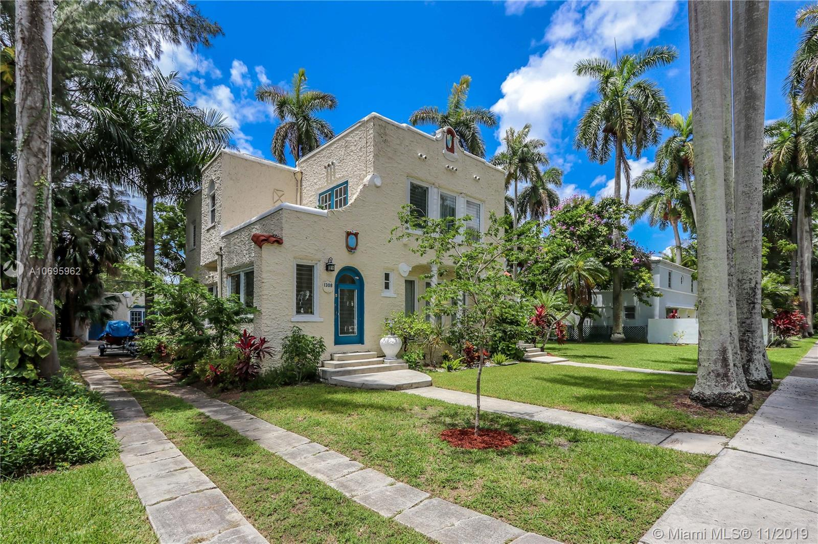1308  Harrison St  For Sale A10695962, FL
