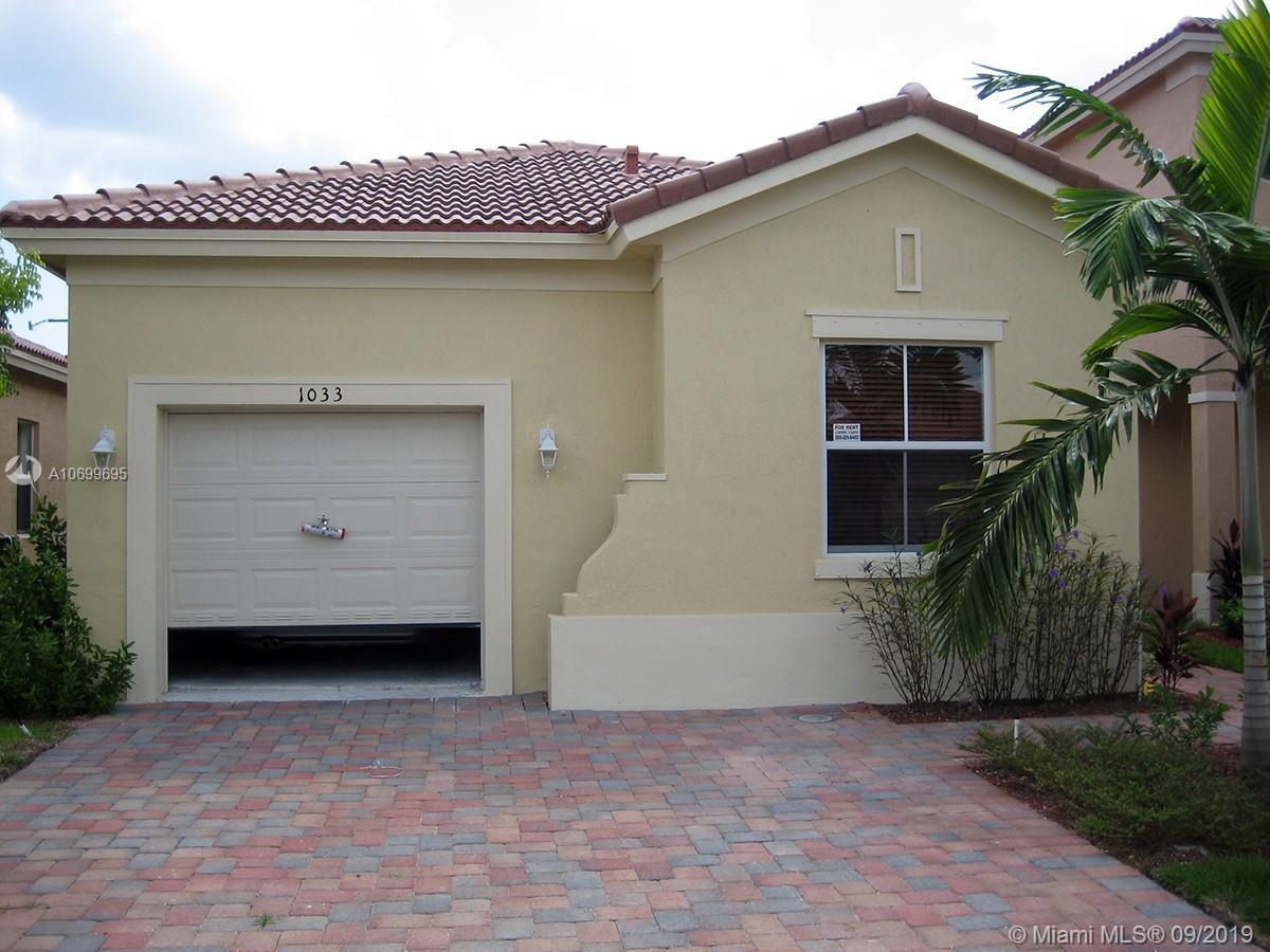 1033 NE 40th Rd  For Sale A10699695, FL